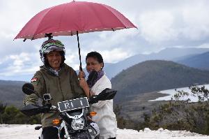 Jokowi Jajal Jalan Trans Papua Pakai Motor Trail