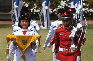 Maria Felicia Gunawan Jadi Pembawa Baki Bendera Pusaka