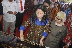 Puan Maharani Resmikan 20 Jembatan Gantung di Rangkasbitung