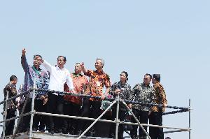 Presiden Jokowi Resmikan Proyek PLTU di Batang Jawa Tengah