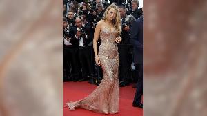 Ada 'Kobra' dan 'Angsa' di Karpet Merah Cannes