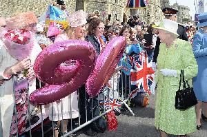 Ratu Elizabeth II Berulang Tahun ke-90
