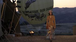 Bergaya ala Koboi di Dior Cruise 2018