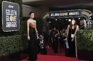 Para Artis Kompak Berbusana Hitam di Golden Globe Awards 2018